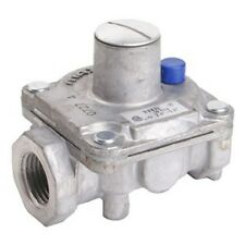 Maxitrol Regulator RV47L 1/2 inch Inlet - Outlet  Natural Gas Pressure 2.8 - 5.2