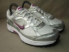 Nike Dart 8 Para Mujer white/silver/purple trainers/running Zapatos Uk 5.5 / UE 38.5