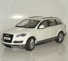 Kyosho 09221 Audi Q7 4.2 Baujahr 2005 in weiss lackiert, OVP, 1:18, 032