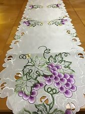 Embroidered Tuscan Vineyard Grapevine Table Runner Scalloped Cutout Linen
