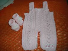 Ragazze HAND Knitted outfit con booties,0-3 mesi, rosa.