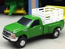 1/64 ERTL DUALLY TRUCK ANIMAL HAULER