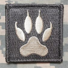 WOLF TRACKER PAW USA ARMY MILITARY MORALE TACTICAL BADGE ACU LIGHT HOOK PATCH