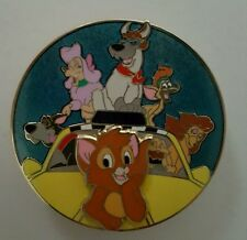 Oliver & Company Beloved Tales LE 300 on Card 2012 DSF Disney Pin Dodger