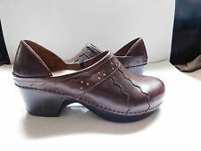 Dansko~NEW Brown Leather Wave design Brass Studs Slip On Clogs Shoes sz 42~NWOB
