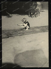 Foto-Sport-Boden-Turnen-Mädchen-Turnübung-German-Girl-Kinderwagen-