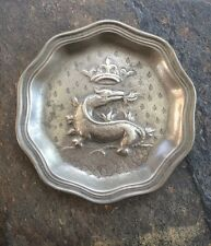 18TH CENTURY KOMODO DRAGON PEWTER PLATE WITH CROWN DESIGN - SIGNED
