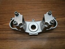 YZ 125 YAMAHA 2000 YZ 125 2000 TOP TREE CLAMP HAS INCH AND A EIGHT BAR CLAMPS
