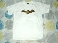 T Shirt Batman Gold Dark Knight Logo White Large
