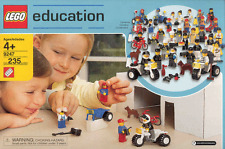 *NEW* Lego 9247 COMMUNITY WORKERS