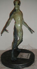 The X-FILES: FIGHT FUTURE ALIEN STATUE Maquette NIB! FOX MULDER Danna Scully