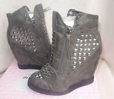 First Love by Penny Loves Kenny Gray High top Wedge Sneakers wink sz 7 new