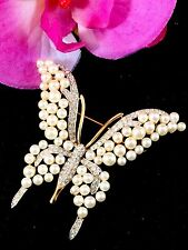 EXQUISITE CROWN TRIFARI GOLD-TONE FAUX PEARL CRYSTAL RHINESTONE BUTTERFLY BROOCH
