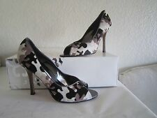 Manolo Blahnik Black Gray White Camouflage Pony Hair Open Toe Pumps Sz 371/2 Us7