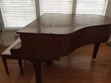 Yamaha Baby Grand Piano G1 Mahogany Finish