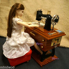 Momoko Blythe 1/6 Doll Miniature Wind Up Music Mini Antiquated Sewing Machine