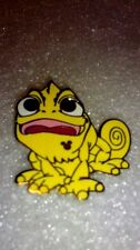 Disney pins 2014 Hidden Mickey Series - Colorful Pascal - Yellow
