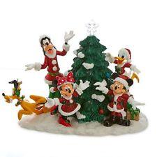 Mickey y sus amigos con iluminada árbol de navidad, Diseny Paris 2016
