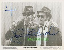 JOHN BELUSHI SIGNED 10X8 PHOTO, GREAT STUDIO SHOT IMAGE, LOOKS GREAT FRAMED