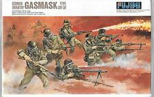 Fujimi WWII German Infantry with Gas Masks Type GM-38 in 1/76 76028