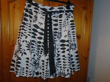 Ivory and black flared spring / summer lined skirt with belt, E-VIE, size 8