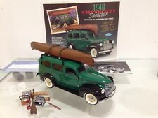 Franklin Mint Chevrolet Suburban 1946 Adventure Fishing Pack 1:24