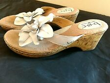 B O C Born White Leather Cork Wedges Womens Size 9m Sandals with Flower
