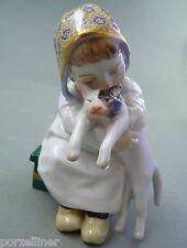 Hentschel Kind mit Katze im Arm auf Bank sitzend Meissen Figur 73367 TOP 1.Wahl