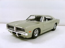 "Maisto 1969 Dodge Charger R/T 1:25 scale 8.25"" diecast model car Beige M222"