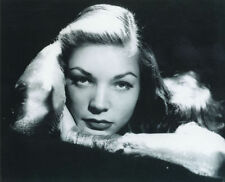LAUREN BACALL UNSIGNED PHOTO - 6092 - STUNNING!!!!!