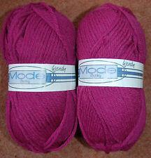 NEW 200g Luxury Mode Chunky 50% Pure Merino Dark PINK Knitting Crochet Wool Yarn