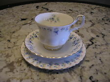 VINTAGE ROYAL ALBERT MEMORY LANE BONE CHINA TRIO CUP SAUCER 6 1/4 INCH PLATE