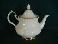 Royal Albert Val D'Or Large Tea Pot with Lid