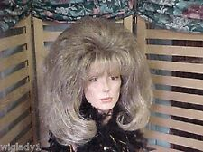 SIN CITY WIGS MID LENGTH BLONDE SHORT VOLUMINOUS PAGE NATURAL THICK BANGS PRETTY