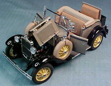 DANBURY MINT 1931 FORD MODEL A DELUXE ROADSTER 1/24 BROWN & BLACK MINT