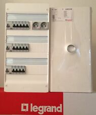 TABLEAU COFFRET ELECTRIQUE EQUIPE 3 RANGEES AVEC PORTE OPAQUE ET 2 PC LEGRAND