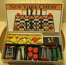2001 Big League Promotions NEW YORK CHESS Excellent Condition 2 Mini SANTA Pawns