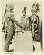 YUL BRYNNER KINGS OF THE SUN 1963 2 VINTAGE PHOTOS ORIGINAL LOT