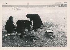 ÎLE DE MAJORQUE c. 1935 -Préparation du repas  Monastère de Lluc Espagne - P 504