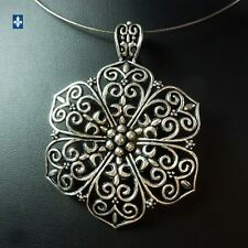 ♥ Beautiful Plated Silver Stylized Flower Stainless Steel Necklace