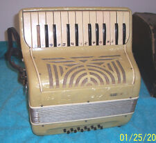 Silvio Franelli 12 bass Accordion made in Italy accordian For Parts as is cond.