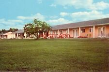 HALSTEAD'S BAYSIDE PARK MOTEL AND RESTAURANT, on M 35, BARK RIVER, MICH.