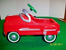 1999 Hallmark Kiddie Car Classics 1950 Holiday Murray General Peddle Car