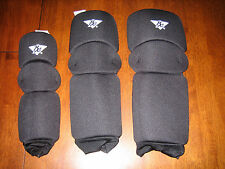 Best Equipment Softball Tri-Pads Knee Sliding Pads NEW Adult S/M