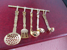 SET OF KITCHEN UTENSILS FOR A DOLLS HOUSE