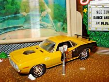 1971 71 PLYMOUTH BARRACUDA 383 LIMITED EDITION 1/64 M2 BUTTERSCOTCH MOPAR