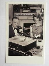 CARTE POSTALE JAMES BOND GIRL MONEYPENNY LOIS MAXWELL M BERNARD LEE POSTCARD 007