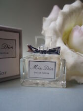 MISS DIOR 5ml EAU DE PARFUM 5ml LOVELY MODERN MINIATURE NEW IN GIFT COND BOX