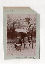 PHOTO ANCIENNE Déguisement Enfant Haut de forme Chapeau Cigarette Journal 1899
