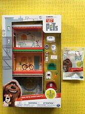 THE SECRET LIFE OF PETS LOT MINI APARTMENTS PLAYSET 4 PETS BONUS TATTOO FIGURE